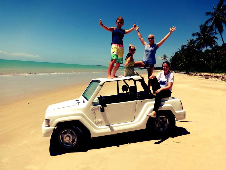 Learn-Portuguese-on-the-beach-1.jpg